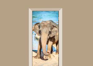 Deursticker olifant bij het water