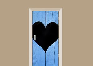Deursticker houten deur met hart blauw