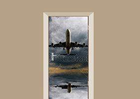 Deursticker aircraft in storm
