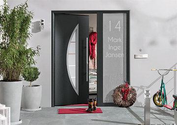 Voordeur sticker met huisnummer en namen 12.3