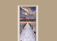 deursticker natuur steiger aan het meer